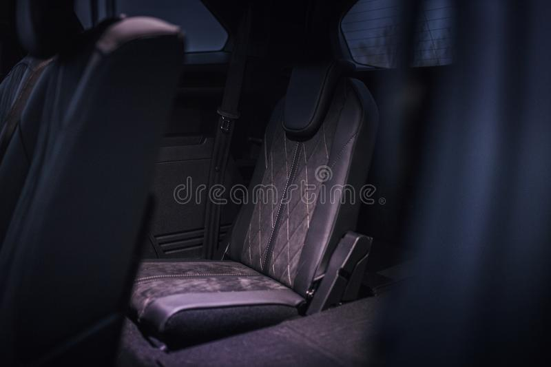Interior do carro: terceiro assento da fileira imagens de stock