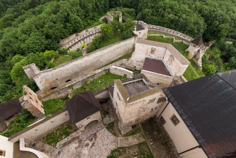 Interior do castelo medieval da cidade de Trencin em eslovaco fotos de stock royalty free