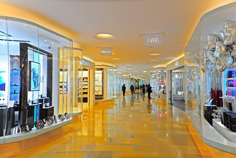 Interior do centro comercial imagens de stock royalty free