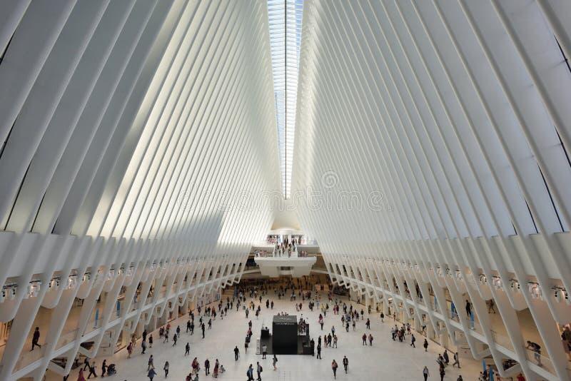 Interior do cubo do transporte de WTC imagens de stock