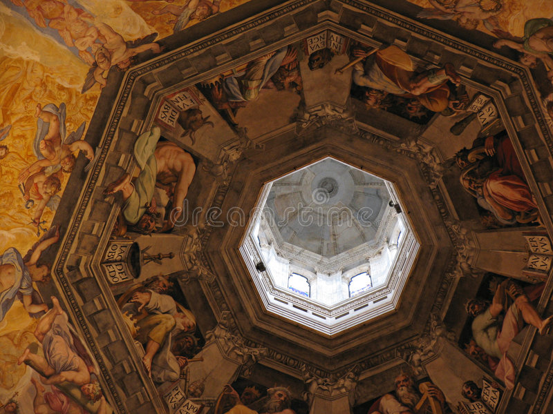 Download Interior do domo foto de stock. Imagem de pintura, frescoes - 66390