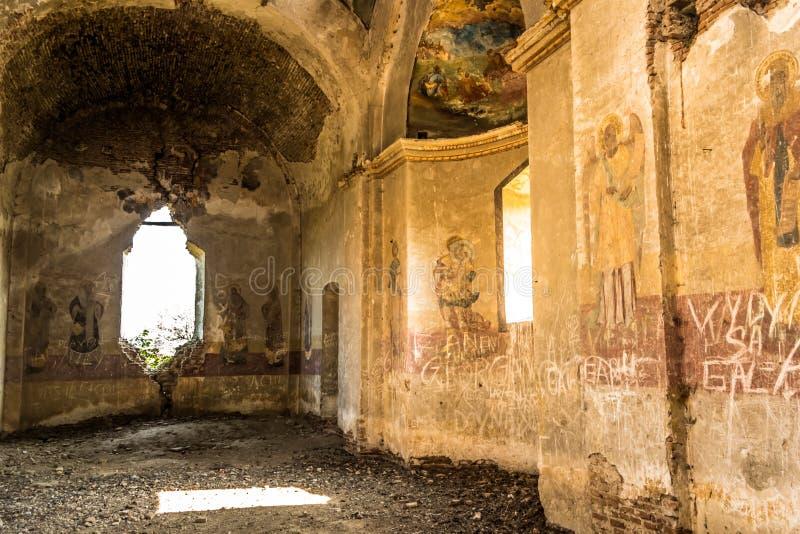 Download Interior Do Eremitério De Bellu Barbu Foto de Stock - Imagem de hermitage, ruína: 65577938