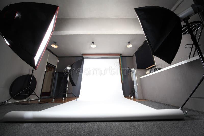 Interior do estúdio profissional da foto fotos de stock royalty free
