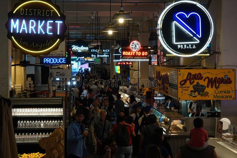 Interior do mercado de Los Angeles Grand Central durante um Afternoo ocupado imagens de stock