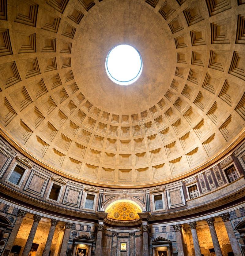 Interior do panteão de Roma imagem de stock royalty free