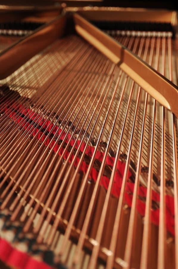 Interior do piano grande fotos de stock royalty free