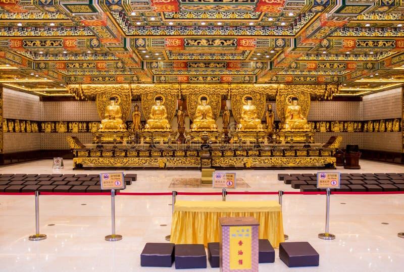 Interior do Po Lin Monastery fotos de stock