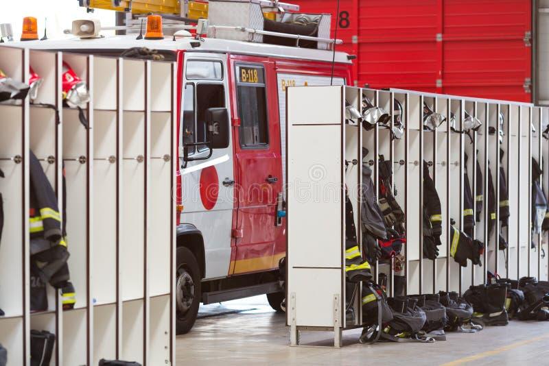 Interior do quartel dos bombeiros fotografia de stock royalty free