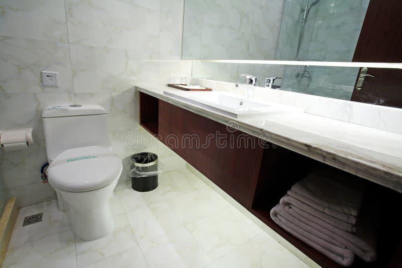 Interior do quarto do banho imagens de stock royalty free