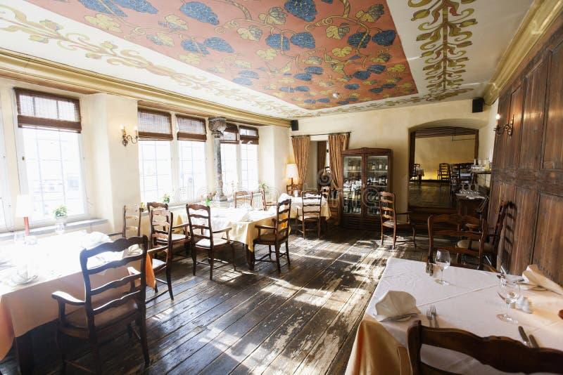 Interior do restaurante vazio fotografia de stock royalty free