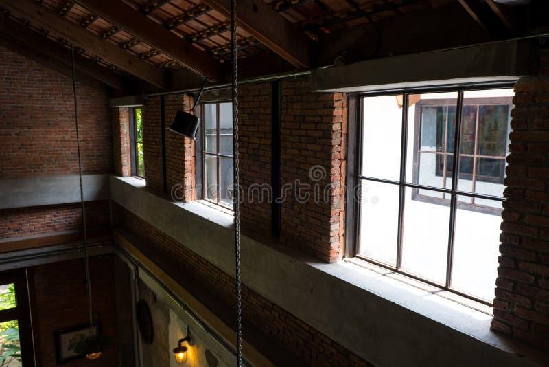 Interior do sótão na casa frente e verso fotografia de stock royalty free