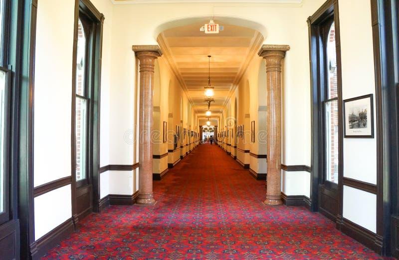 Interior do salão da planta da universidade de Tampa, Florida fotografia de stock