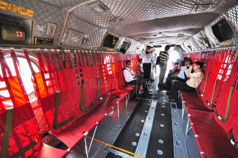 Interior do salmão real de RSAF Boeing CH-47 em Airshow foto de stock