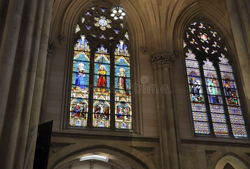 Interior do St Patrick Cathedral do Midtown Manhattan em New York City no Estados Unidos imagem de stock