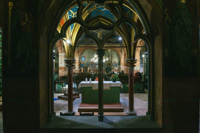 Interior do St Peter a igreja mais nova em Strasbourg imagens de stock