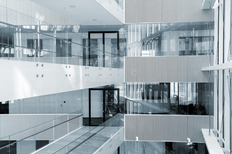 Interior do sumário do centro de negócios moderno fotos de stock