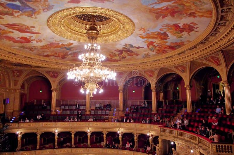 Interior do teatro da ópera de Budapest foto de stock