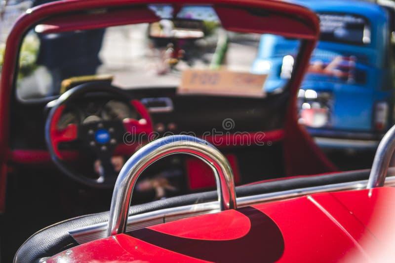 Interior do ve?culo retro cl?ssico italiano Carros do vintage fotografia de stock