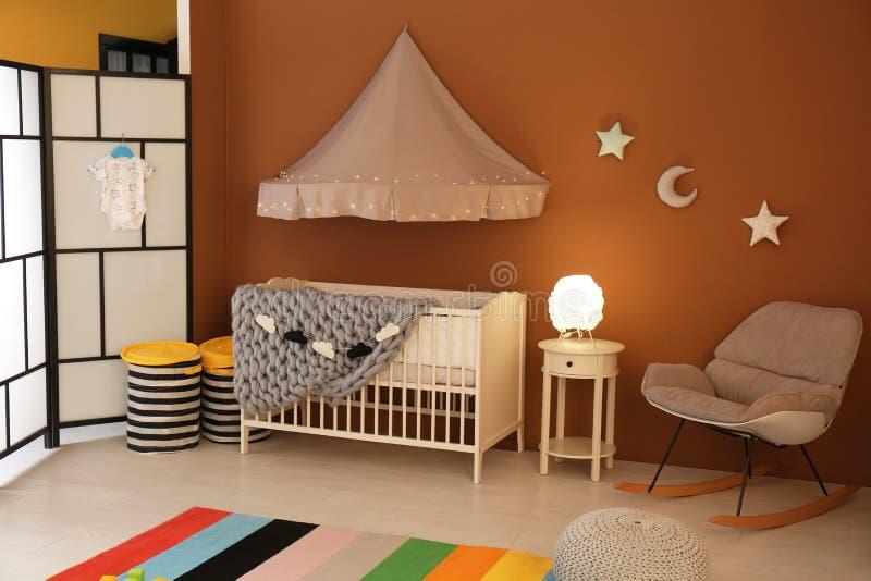 Interior elegante del sitio del bebé fotos de archivo