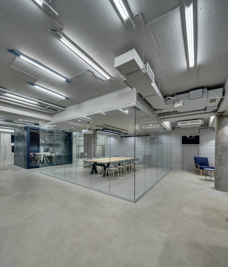 Interior en estilo del desván imagen de archivo