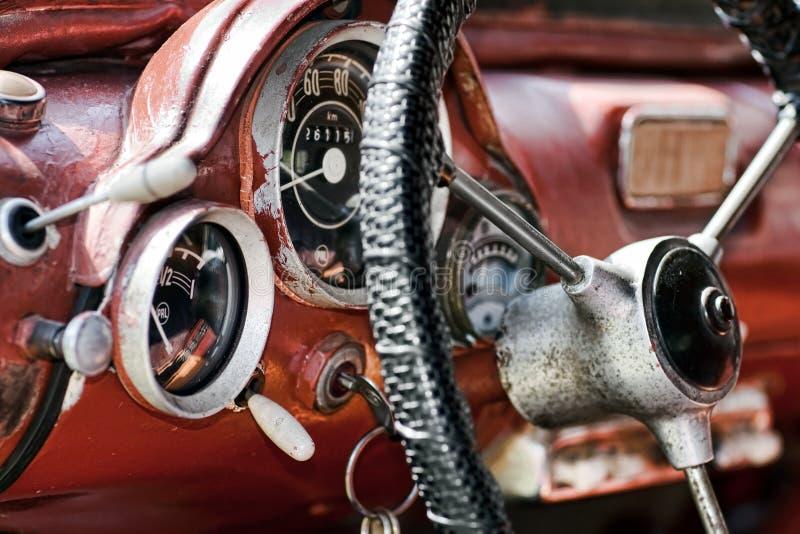 Interior en un coche viejo imagen de archivo libre de regalías