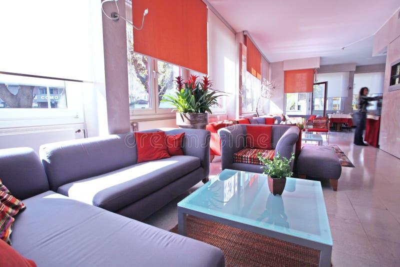Interior ensolarado do hotel imagens de stock