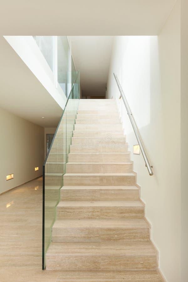 Interior escalera de m rmol imagen de archivo imagen de for Escaleras de marmol