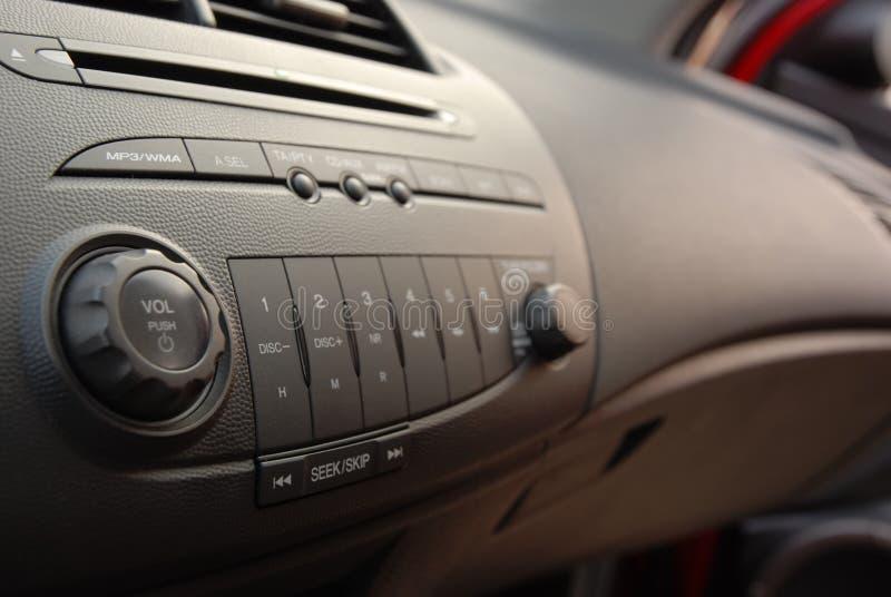 Interior estereofónico do carro imagens de stock