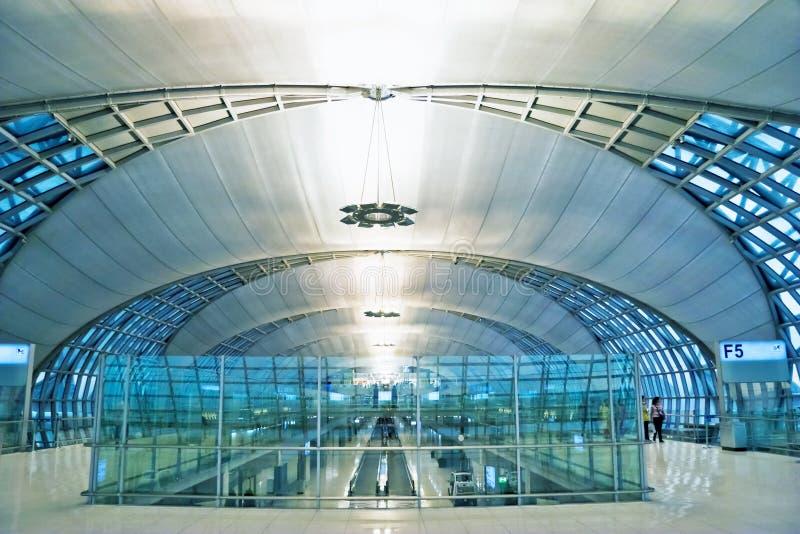 Interior futurista do aeroporto imagens de stock royalty free