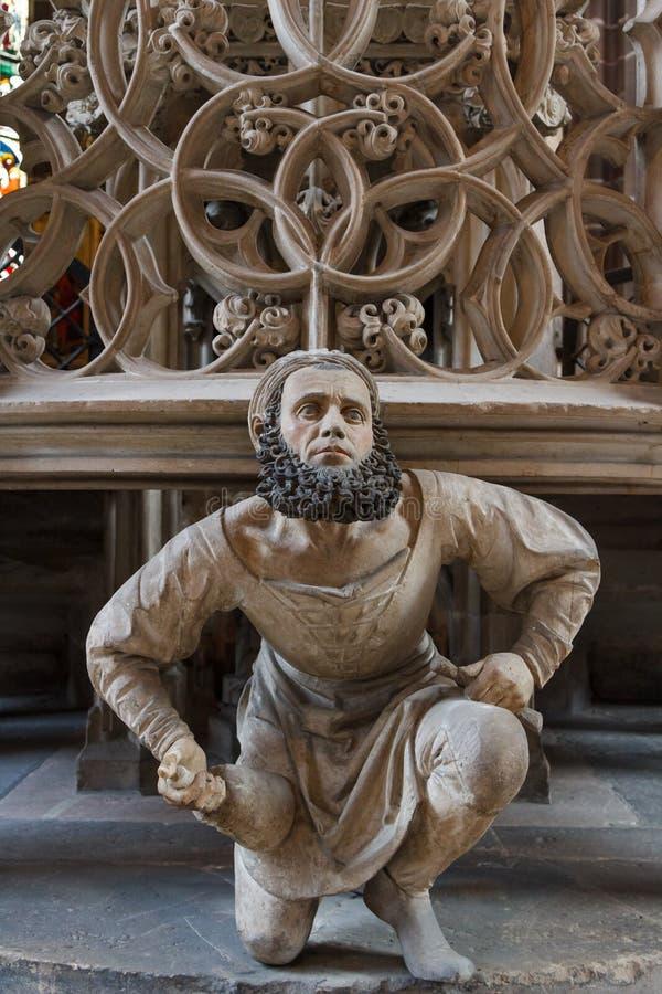 Interior gótico de la iglesia imagen de archivo libre de regalías