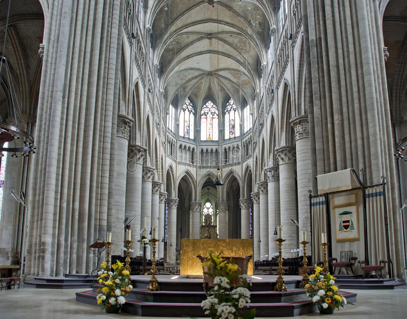 Interior of the gothic cathedral in rouen france stock for Haute normandie rouen