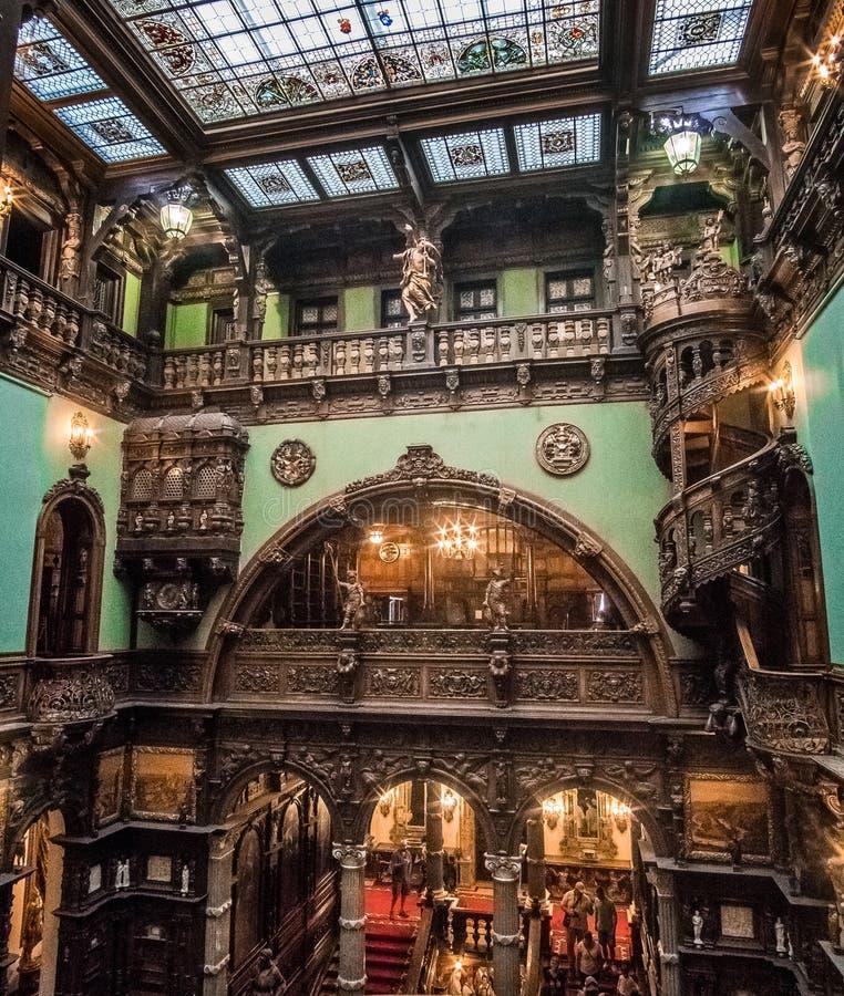 Interior hermoso del castillo de Peles foto de archivo libre de regalías