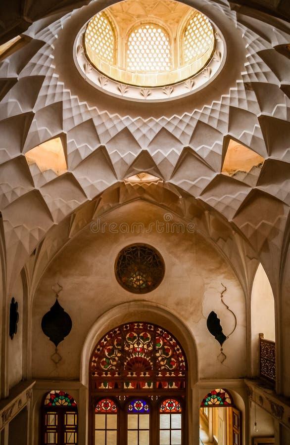Interior hermoso del palacio iraní fotografía de archivo libre de regalías