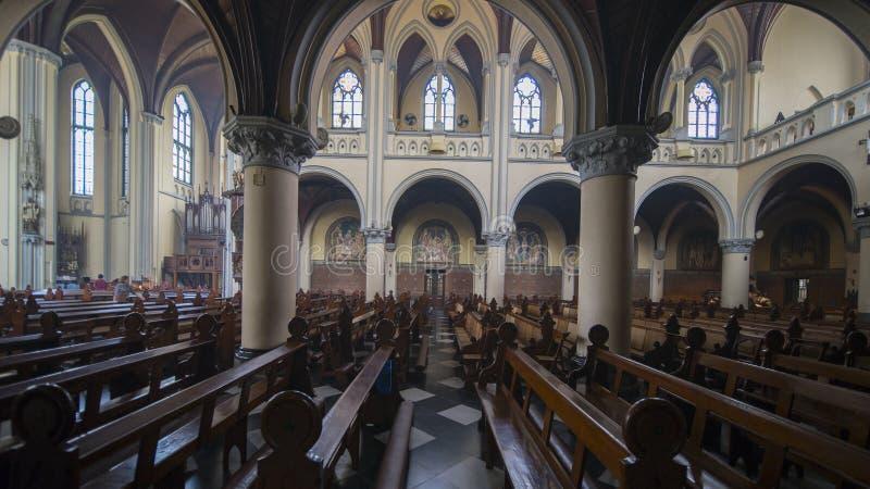 Interior hermoso en Roman Catholic Cathedral imagen de archivo libre de regalías