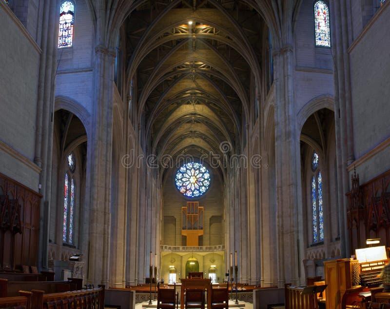 Interior histórico da catedral da benevolência em San Francisco foto de stock royalty free