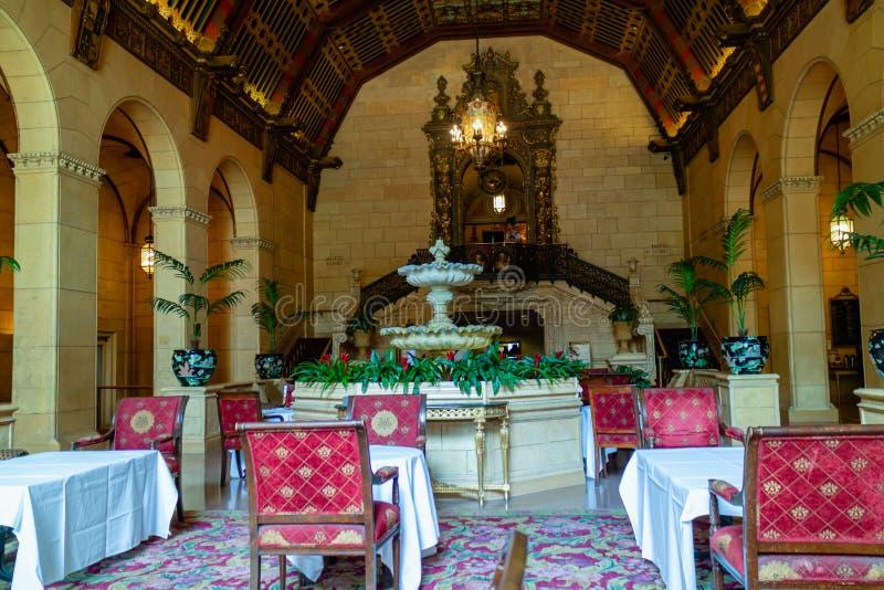 Interior histórico do hotel de Biltmore do milênio Los Angeles do centro, o 8 de abril de 2017 imagem de stock royalty free