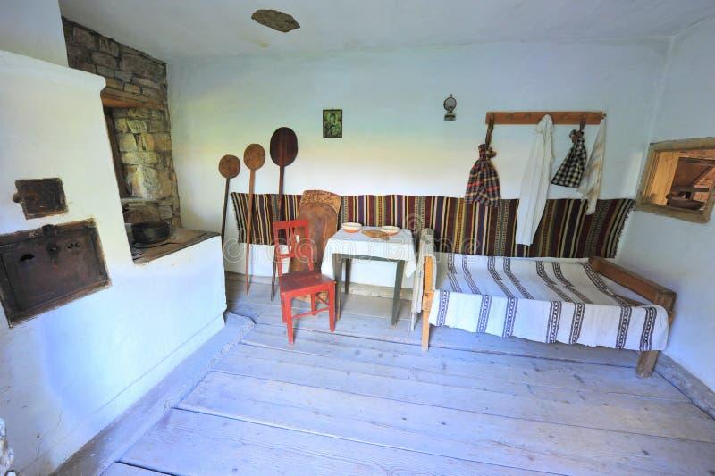 Interior home rural tradicional de Bucovina imagem de stock royalty free