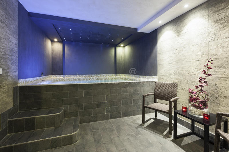 interior of a hotel spa with jacuzzi bath with ambient On comprar jacuzzi interior