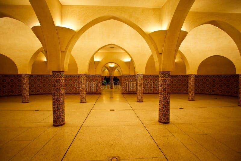 Interior iluminado do banho turco de Hammam imagens de stock royalty free