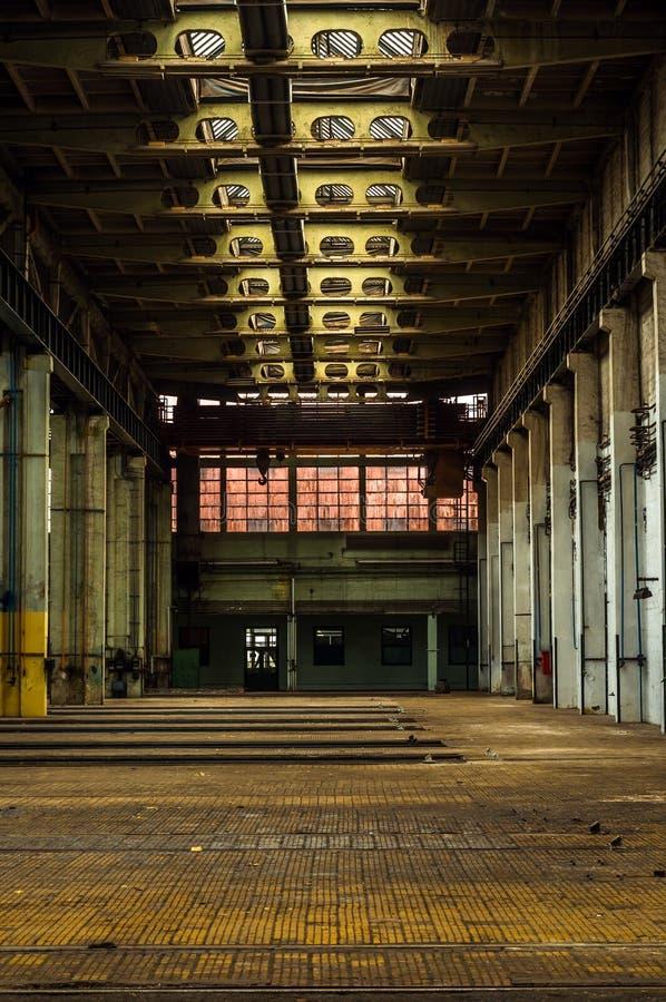 Interior industrial de uma fábrica imagem de stock