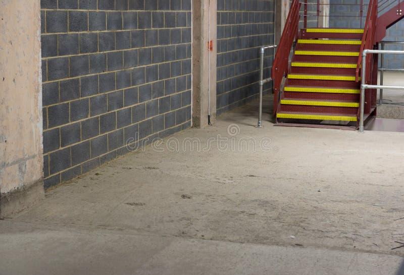 Interior industrial escasso foto de stock