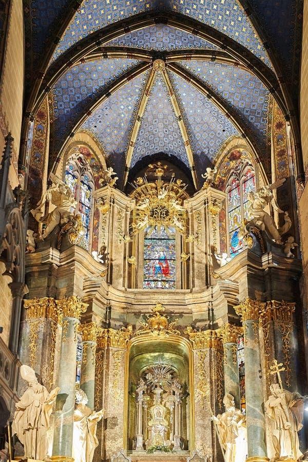 Interior interno da catedral latino fotos de stock royalty free