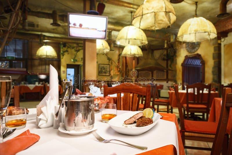 Interior italiano del restaurante fotos de archivo