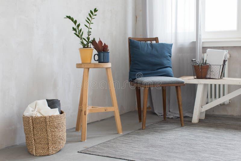 Interior lindo con la silla imagen de archivo libre de regalías