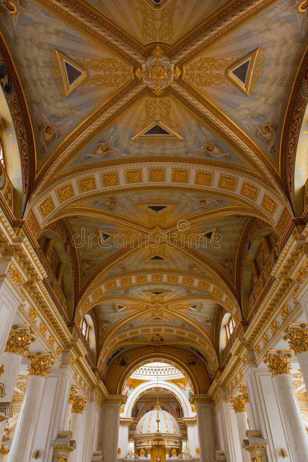 Interior luxuoso de Odessa Cathedral imagem de stock royalty free