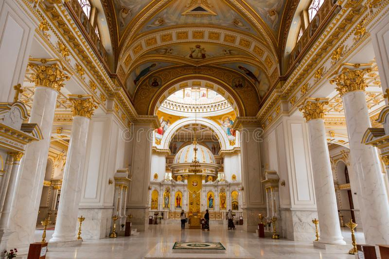 Interior luxuoso de Odessa Cathedral fotos de stock