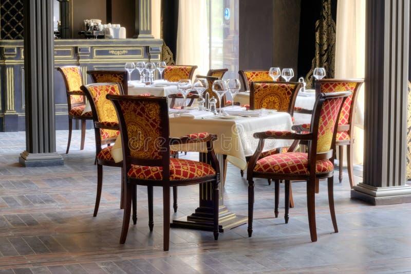 Interior luxuoso do restaurante fotografia de stock royalty free