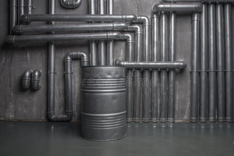 Interior metálico industrial com tambor imagens de stock royalty free