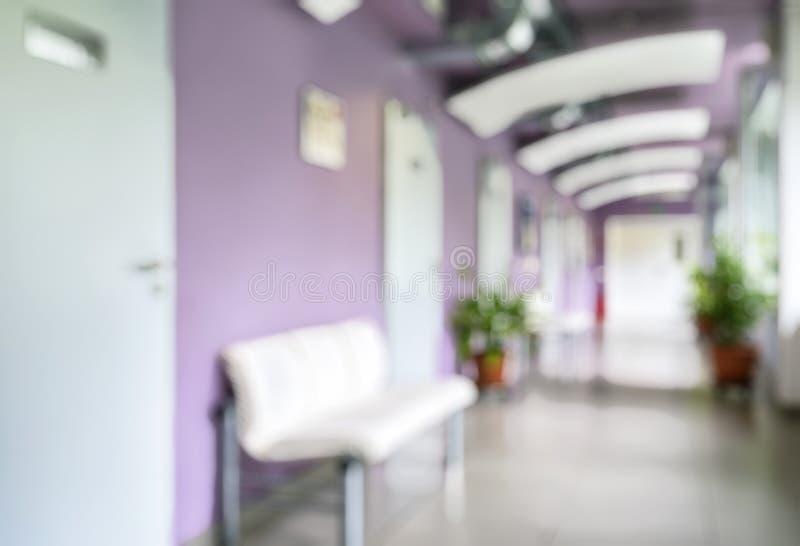 Interior moderno da clínica como o fundo abstrato criativo do borrão imagem de stock