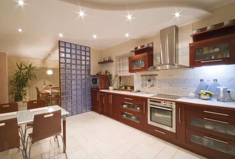 Interior moderno de la cocina fotos de archivo libres de regalías
